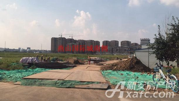 21、23号地块位于中国铁建燕山国际城的南侧