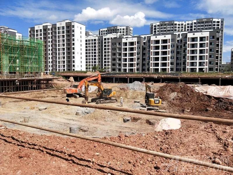 31#花园洋房地基正在建设中