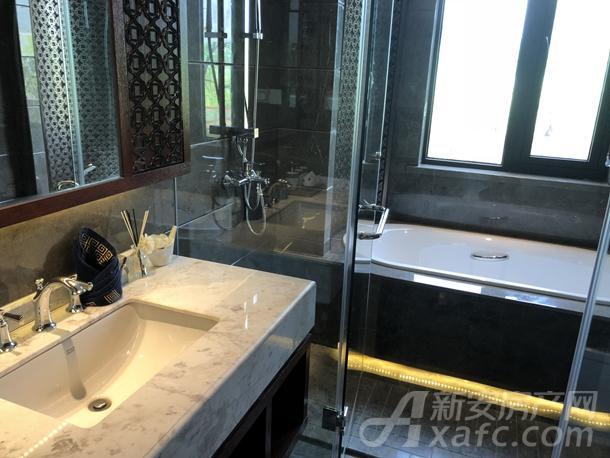 山南国宾府的A户型主卧浴室