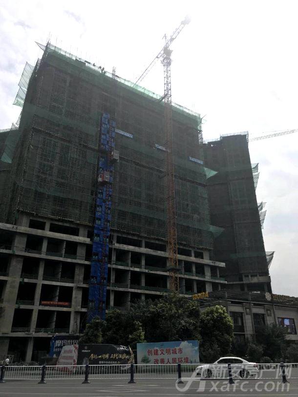 汇鑫摩玛世界沿街商业写字楼正在建设中