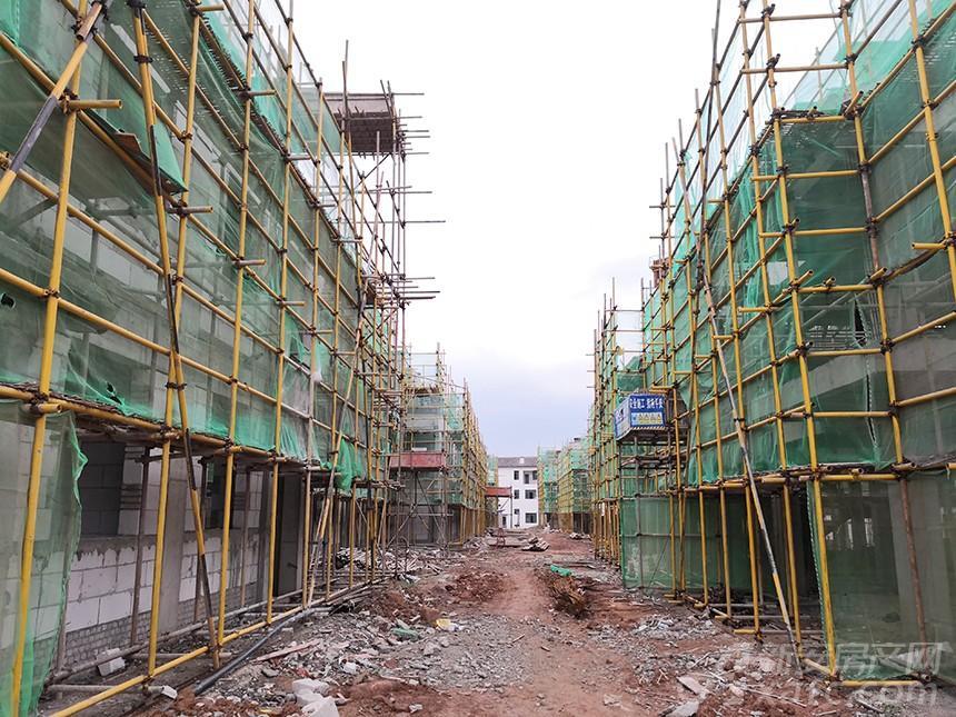 一期段工程全面封顶,样板间即将进行结构验收