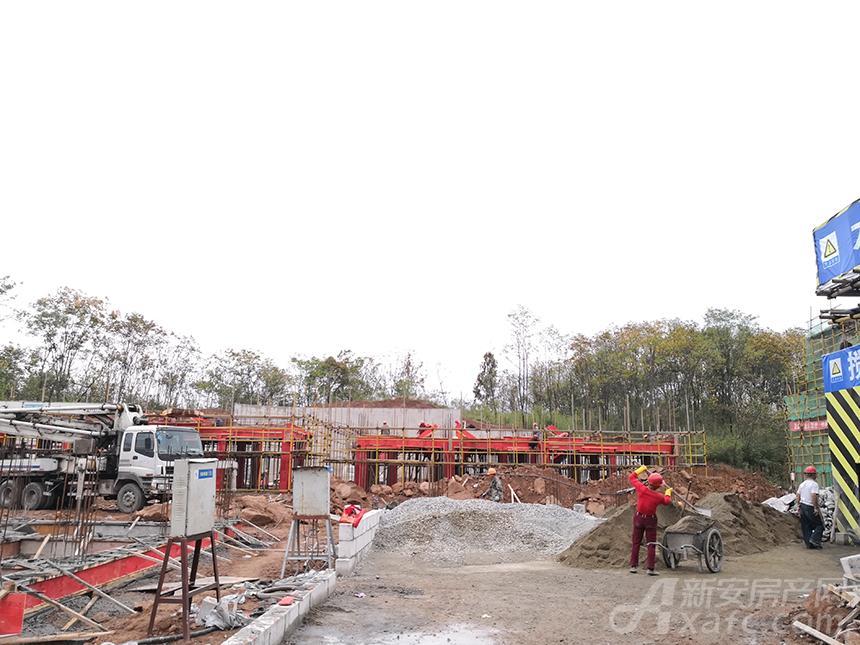 新国线·徽州小镇二标段工程紧锣密鼓施工中.jpg