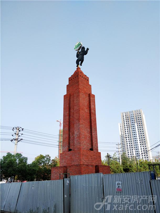 东方摩域艺术商业广场精神堡垒已经建好