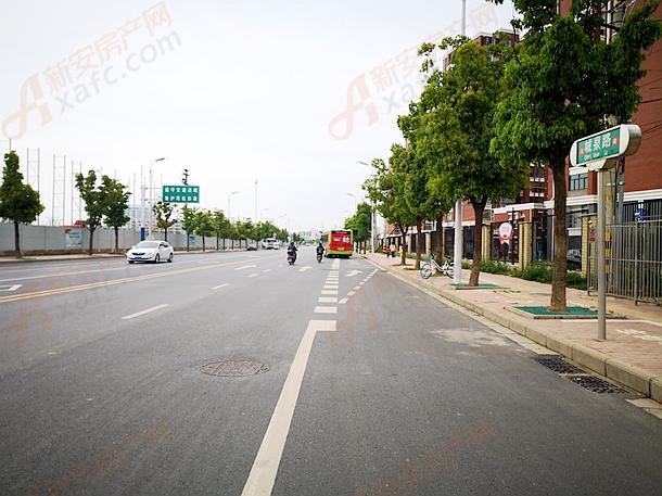 城泉路公交车站