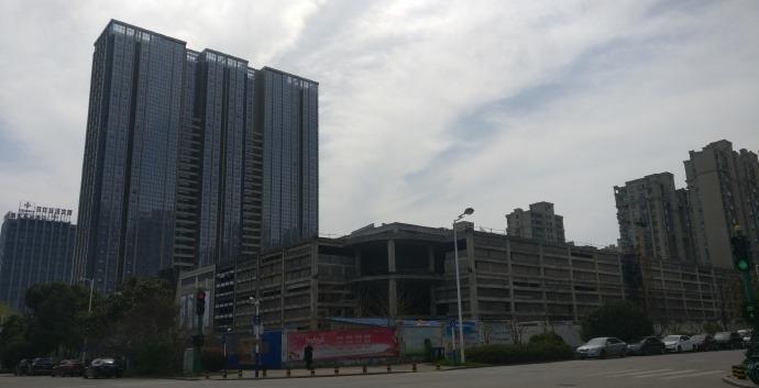 天鹅湖购物中心