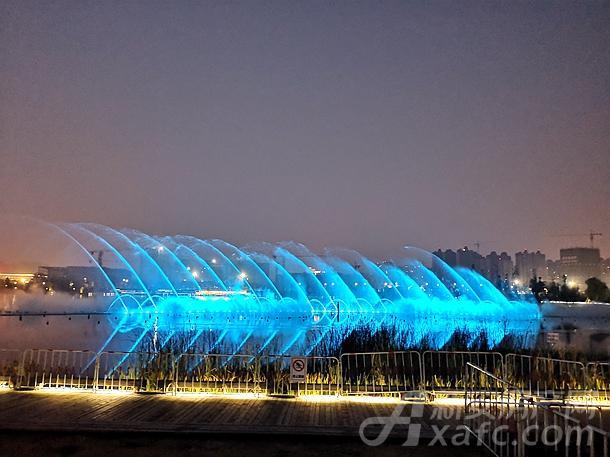 双清湾水秀实景图